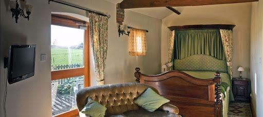 Lovesome Farm Bedroom